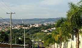 Valinhos - Rua Carlos Penteado Stevenson em Valinhos-Foto:G. Romanini