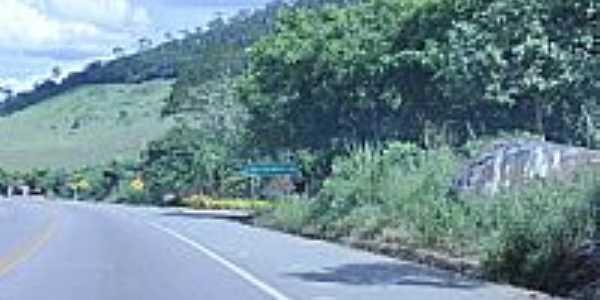 Rio do Meio-BA-Rodovia BR-415-entrada para o Povoado-Foto:Dimas Justo