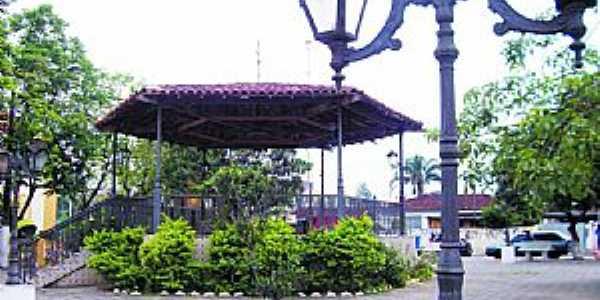Vargem Grande Paulista-SP-Coreto na praça central-Foto:viagemliteraria.