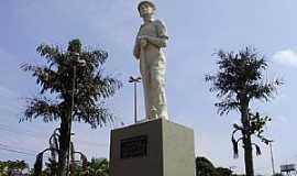 Vinhedo - Vinhedo-SP-Monumento ao Herói Imigrante-Foto:Carlos Fante