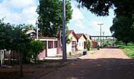Aguiarnópolis - Aguiarnópolis-TO-Pacata rua com a ponte da ferrovia ao fundo-Foto:Nando Cunha