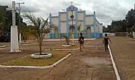 Ananás - Igreja de São Pedro-Foto:Thiago Monteiro
