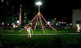 Araguaçu - Praça com decoração natalina em Araguaçu-TO-Foto:legalegal