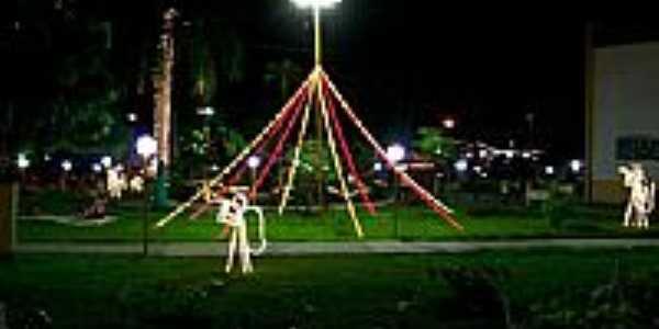 Praça com decoração natalina em Araguaçu-TO-Foto:legalegal