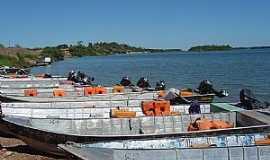 Araguanã - Araguanã-TO-Barcos no Rio Araguaia-Foto:tguima