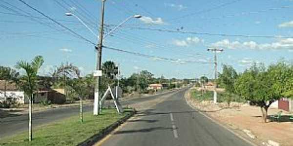 Axixá do Tocantins-TO-Avenida de entrada da cidade-Foto:Caio Graco Machado