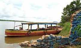 Babaçulândia - Embarcação no Rio Tocantins próximo à Babaçulândia-TO-Foto:leomar setnof