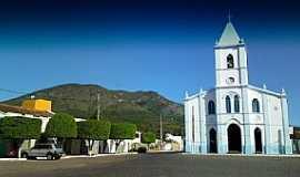 Ruy Barbosa - Ruy Barbosa-BA-A Igreja e a Serra do Orobó-Foto:Andre L. S. Lacerda