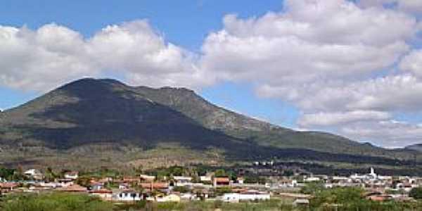 Ruy Barbosa-BA-A cidade e a Serra do Orobó-Foto:Andre L. S. Lacerda