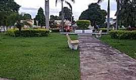 Cristal�ndia - Pracinha atr�s da Prefeitura-Foto:St�fany