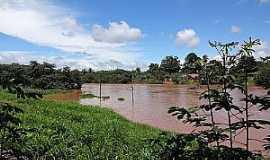 Goiatins - Goiatins-TO-Rio Manoel Alves Grande,que abastece a cidade-Foto:viagemturismoaventura.