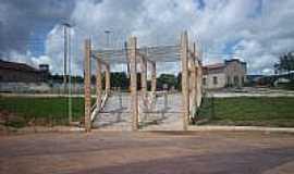 Itaporã do Tocantins - Praça 08 de Outubro em Itaporã do Tocantins-Foto: Marcilene