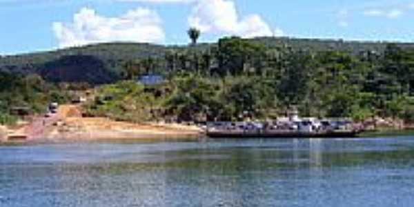 Travessia da balsa no Rio Tocantins-Foto:Israel Oliveira