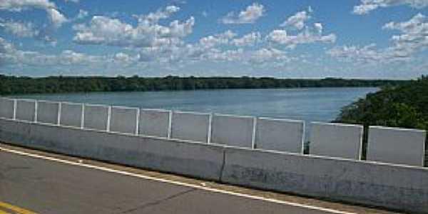 Peixe-TO-Ponte sobre o Rio Tocantins-Foto:ernesto.palmas