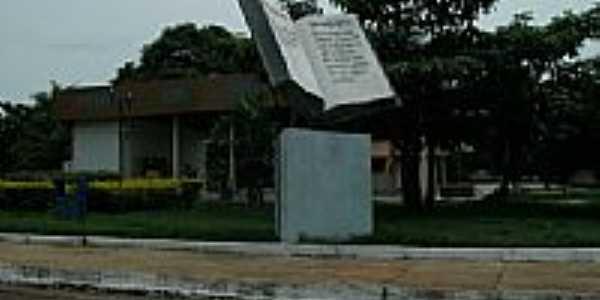 Praça da Bíblia em São Felix do Tocantins-TO-Foto:Glamar