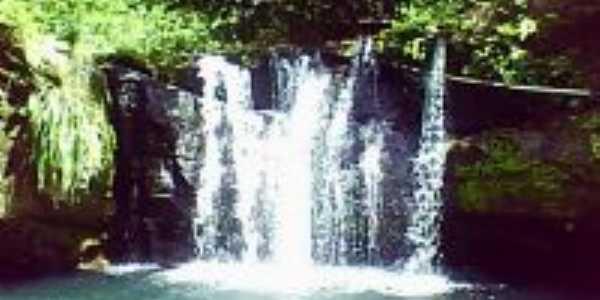 Cachoeira do Pau Amarelo, Por Allyne Wanderley